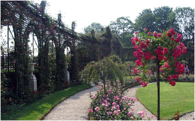Aux portes de paris promenades for Place du jardin aux fleurs